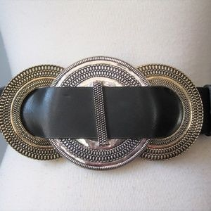 NWOT Chico's Wide Leather and Metal Belt